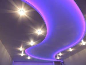 Цветные потолки с подсветкой
