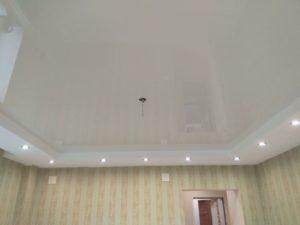 Потолок из двух уровней